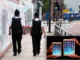 iPlod replaces PC's notebook: Scotland Yard spends £200m to give its 20,000 officers tablets to record crimes, check warrants and even order new uniforms
