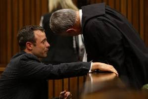 Oscar Pistorius sobs, retches as medical examiner describes girlfriend's wounds