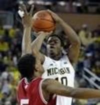 Wolverines jump to No. 8, Spartans stay at No. 22 in AP poll